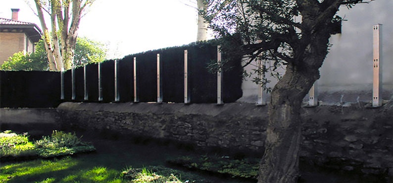 Cerramiento vegetal sobre muro piedra air garden - Cerramientos de piedra ...