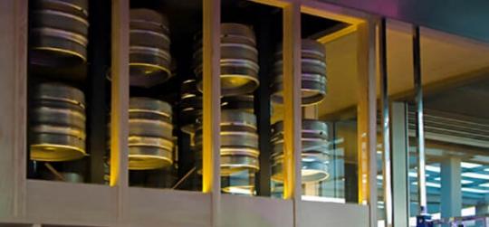 Solución práctica y cómoda de organizar el stock de barriles de cerveza de cualquier espacio hostelero