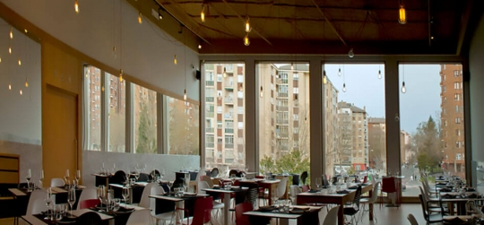 Como incorporar un jardín vertical en tu bar o resturante